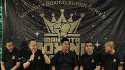 Managing Director Mahkota Promotion, Urgyen  Rinchen Sim, saat jumpa pers di O2 Club, Jakarta, Jumat (23/2/2018). Mahkota Promotion akan menggelar Mahkota Boxing Series untuk mencari petinju professional. (Bola.com/M Iqbal Ichsan)