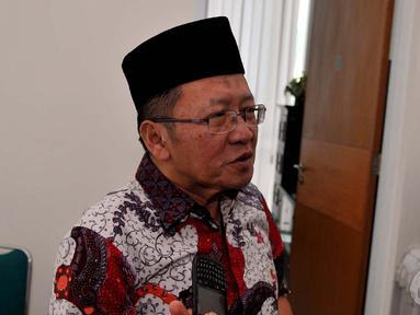 Ketua Mahkamah PPP, Chozin Chumaidy saat jumpa pers di kantor PPP Jalan Diponegoro, Jakpus, Selasa (23/9/2014) (Liputan6.com/Johan Tallo)