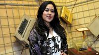 Raisa Andriana kerap dikenal dengan panggilan Raisa. Ia adalah penyanyi asal Indonesia yang populer sejak Tahun 2011.