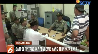 Satpol PP tangkap seorang pengemis kaya raya bernama Enur yang biasa mangkal di perempatan Yasmin, Bogor.