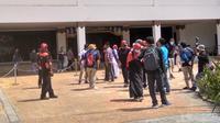 Buruh tetap menggelar aksi pada May Day walau tak sekolosal tahun-tahun sebelumnya. (Foto: Liputan6.com/Ajang Nurdin)