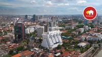 Para pebisnis dan pelajar dari kawasan Indonesia timur pun memilih berbisnis, bekerja, atau belajar di Surabaya. Hal ini tentu membuat permintaan properti di Ibukota Jawa Timur ini terus meningkat.