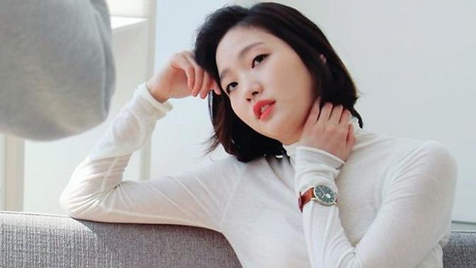 3 Tips Mudah Memakai Makeup Natural Sehari-hari ala Cewek Korea - Beauty  Fimela.com