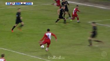 Utrecht bangkit dari tertinggal untuk bermain seri 1-1 dengan tim peringkat ketiga AZ Alkmaar dalam pertandingan perdana mereka ta...