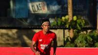 Bek PSM Makassar, Erwin Gutawa. (Abdi Satria/Bola.com)