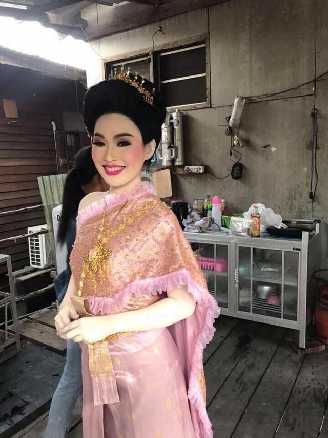 Enggak Hanya Muka, Makeup Di Sekujur Tubuh Pengantin Ini Bikin Geleng Kepala