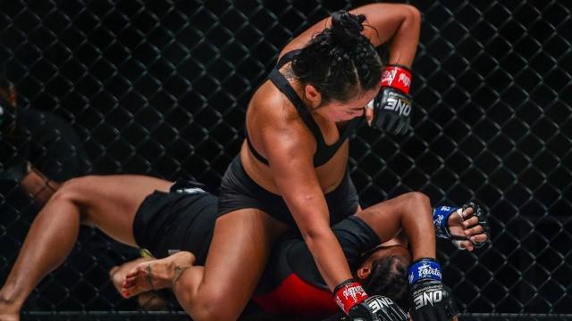 Berita Video Melihat Garangnya Bi Nguyen Saat Kalahkan Petarung Wanita Indonesia, Dwi Ani Retno Wulan di ONE Championship