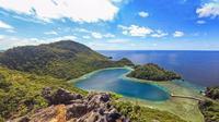 Jika ditelusuri lebih jauh, Ternyata Raja Ampat memiliki beragam pesona keindahan alam yang hampir belum terjamah manusia, salah satunya Love Lagoon (Sumber foto: soulofjakarta.com)