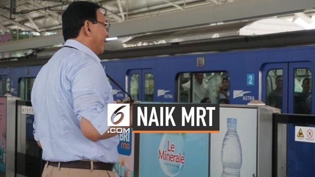 Mantan Gubernur DKI Basuki Tjahaja Purnama atau Ahok perdana menjajal MRT Jakarta. Ahok ditemani putra bungsunya.