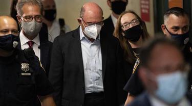 Allen Weisselberg (tengah) Kepala Keuangan Trump Organization. (AP)