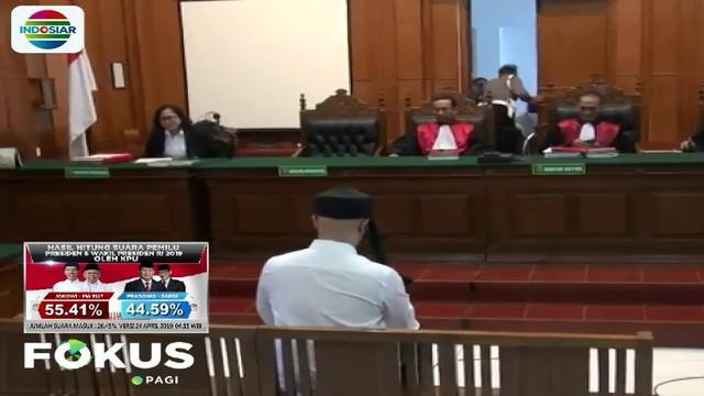 Hal yang memberatkan, menurut jaksa, Ahmad Dhani mengaku tidak bersalah dengan kasus ini. Sidang ini dihadiri istri kedua Ahmad Dhani, Mulan Jameela.