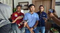 Wakapolres Tulungagung Kompol I Dewa Gde Juliana menjelaskan penangkapan dua oknum panitia PPDB (Zainul Arifin/Liputan6.com)