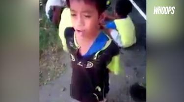 Beberapa netizen mencoba mencari tahu perihal identitas sang bocah.