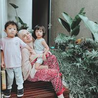 Potret Nycta Gina Saat Berpakaian Sederhana. (Sumber: Instagram.com/missnyctagina)