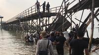 Jembatan di kawasan Montigo Resorts, Nongsa, Kota Batam, roboh. Akibatnya 18 wisman asal Singapura mengalami luka-luka. (Liputan6.com/ Istimewa)