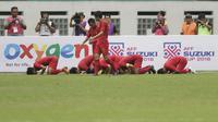 Pemain Indonesia merayakan gol yang dicetak oleh Firza Andika ke gawang Yordania pada laga persahabatan di Stadion Wibawa Mukti, Jawa Barat,  Sabtu (13/10/2018). Indonesia menang 3-2 atas Yordania. (Bola.com/M Iqbal Ichsan)