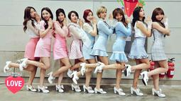 Seperti diketahui, pada 9 April lalu mereka merilis mini album kelima yang berjudul What is Love? Album itu sendiri terdiri dari 6 lagu dengan mengandalkan single What is Love?. (Foto: Soompi.com)