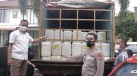 Ribuan liter cap tikus yang gagal dibawa dari Minahasa Twenggara, Sulut, ke Manokwari, Papua Barat.