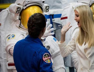 Saat Ivanka Trump Kunjungi Kantor NASA