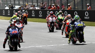 FOTO: Dovizioso Rajai MotoGP Italia, Rossi Gagal Podium