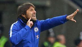 Antonio Conte berhasil memenangkan gelar Premier League pada musim pertamanya di Chelsea. Itu merupakan prestasi yang sangat luar biasa karena tidak banyak manajer yang bisa melakukan hal tersebut. (AFP/Geoff Caddick)