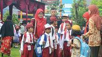 "Alih-alih menggunakan ""Basa Panginyongan"" atau ""Ngapak"", anak-anak zaman sekarang lebih banyak bertutur dengan bahasa Indonesia. (Foto: Liputan6.com/Muhamad Ridlo)"