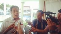Ketua Bawaslu Sulut, Herwyn Malonda beberkan sejumlah TPS yang rawan dan potensi terjadi politik uang di wilayah Sulut (Liputan6.com/ Yoseph Ikanubun)