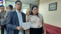 Ketua Umum Baladhika Indonesia Jaya (BIJ) Dahlia Zein Moka mengadukan Majalah Tempo ke Dewan Pers, Selasa (11/6/2019). (Liputan6.com/ Yopi Makdori)