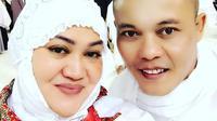 Seperti inilah potret kebersamaan Sule dan Lina saat menjalankan ibadah umroh pada Juli 2017. (Foto: instagram.com/ferdinan_sule)