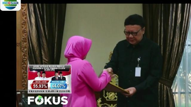 Mendagri mengatakan penghargaan ini diberikan karena anggota Polri yang gugur telah menciptakan pelaksanaan pemilu 2019 yang damai.