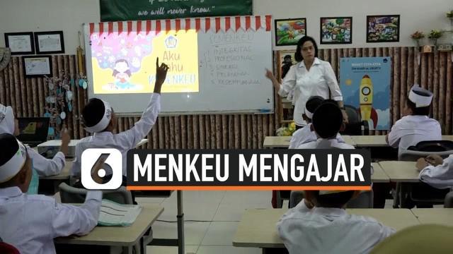 Menteri Keuangan Sri Mulyani mengajar di SDN Kenari Jakara Pusat. Menkeu memperkenalkan pajak,  dan manfaat membayar pajak sejak dini kepada anak-anak sekolah dasar. Seluruh jajaran Kemenkeu  memiliki program mengajar kepada anak-anak di sekolah dasa...