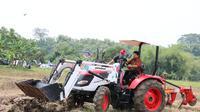 Sejumlah alat dan mesin pertanian (alsintan) jenis hand traktor dan traktor roda 4 telah berdatangan di Pulang Pisau. (Dok Kementan)