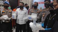 Barang  bukti sabu yang disita Polda Riau dari jaringan narkoba internasional. (Liputan6.com/M Syukur)