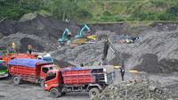 Penambangan liar pasir dan batu di lereng Gunung Merapi. (Liputan6.com/Edhie Prayitno Ige)