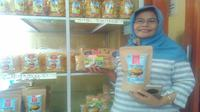 Namanya UKM Sasak Maiq. Mulai fokus berjalan pada 2012, dan kini terkenal sebagai pemasok oleh-oleh khas NTB. (Liputan6.com/Fiki Ariyanti)