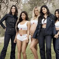 The Kardashian for Calcin Klein Underwear Fall Winter 2018 - Photo: calvinklein