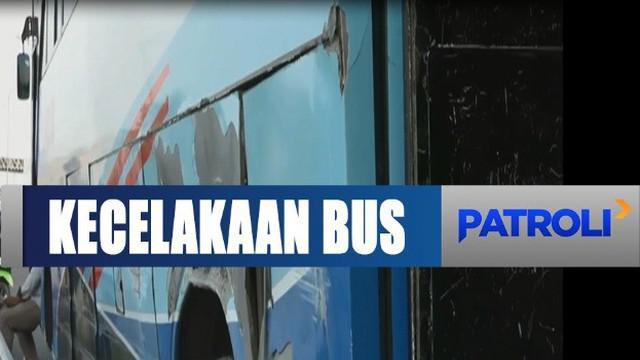 Wanita ini meregang nyawa akibat benturan keras setelah terpental dari dalam bus yang dia tumpangi.