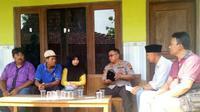 Salah satu korban pembakaran hidup-hidup di Rembang, Sukarno, meninggal dunia. (Foto: Liputan6.com/Ahmad Adirin)