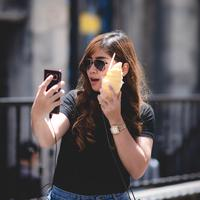 ilustrasi handphone/Photo by Mr.Autthaporn Pradidpong on Unsplash