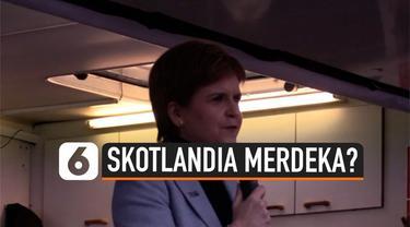 Warga Skotalndia menggelar demonstrasi besar di pusat kota Glasgow. Pimpinan partai di Skotlandia bahkan menyerukan Skotlandia merdeka melalui refrendum tahun depan.
