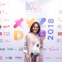 Sheryl Sheinafia meraih kemenangan di XYZ Day Creator Awards 2018. (Foto: Adrian Putra/Bintang.com)
