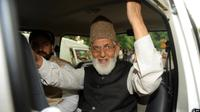 Syed Ali Shah Geelani, ikon perjuangan wilayah Kashmir yang disengketakan dalam melawan pemerintah India, meninggal dunia dalam usia 92 tahun, Rabu malam, 1 September 2021. (Foto: SAJJAD HUSSAIN / AFP)