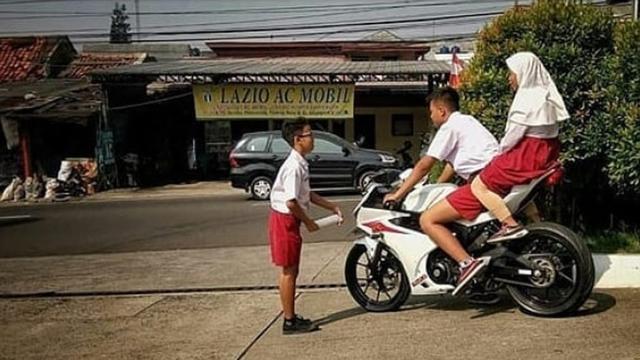 Bocah Sd Naik Motor Sport