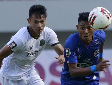 Foto: Andy Setyo dan Sejumlah Pemain di BRI Liga 1 2021 / 2022 yang Berstatus Sebagai Anggota TNI