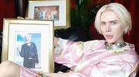 Fans Jimin BTS, Oli London menghabiskan 100 ribu dolar AS agar bisa memiliki wajah serupa idolanya. (dok. istimewa/Dinny Mutiah)
