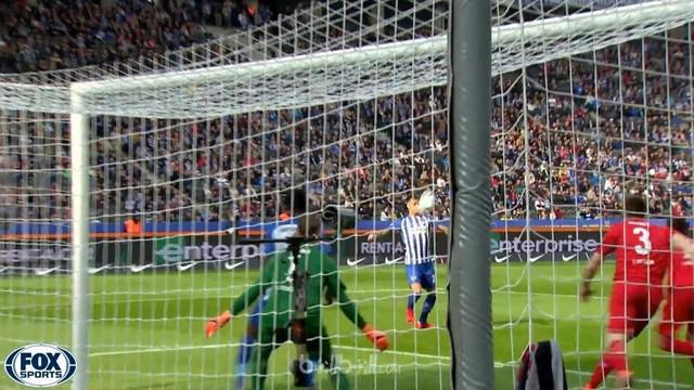 Dua gol Davie Selke mengantar Hertha Berlin kembali ke jalur kemenangan seusai menekuk Koln 2-1 dalam lanjutan Bundesliga, Sabtu (...