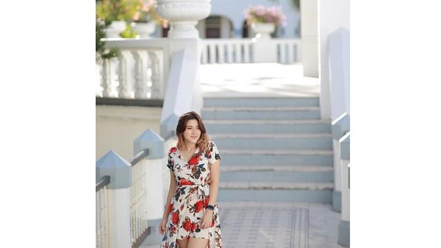 6 Pesona Marissa Briggita, Adik Celine Evangelista yang Tak Kalah Memesona