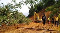 Banjir dan Longsor Melanda Kecamatan Sukajaya, Bogor, Jawa Barat. Akibatnya, 5 Desa di Daerah Tersebut Terisolasi, Jumat (3/1/2020). (Foto: Achmad Sudarno/Liputan6.com)