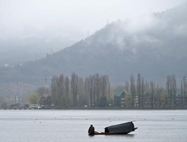 Menyusuri Keindahan Danau Dal di Srinagar