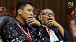 Ketua Tim Hukum Prabowo-Sandiaga, Bambang Widjojanto saat mengikuti sidang ke-5 sengketa Pilpres 2019 di Gedung MK, Jakarta, Jumat (21/6/2019). Sidang beragendakan mendengar keterangan saksi dan ahli dari pihak terkait yakni paslon nomor urut 01 Jokowi-Ma'ruf Amin. (Liputan6.com/Johan Tallo)
